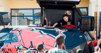 Martin Garrix zet zich in voor SOS Kinderdorpen