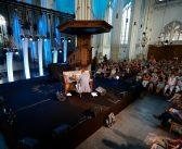 Pianoconcert Joep Beving in de Stevenskerk, een hele belevenis