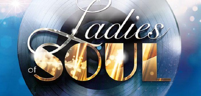 Ladies of Soul strooien met confetti en geld in de Ziggo Dome