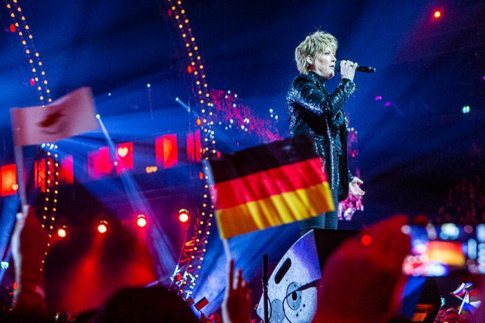 Het Grote Songfestivalfeest Een Guilty Pleasure Onder De Songfestival Fans Maxazine