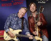 Gregor Hilden & Richie Arndt – Moments 'Electric'
